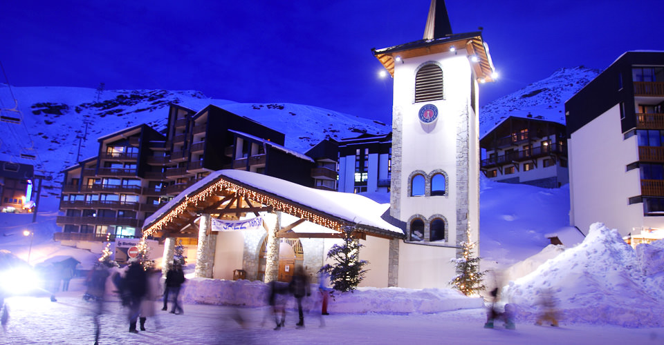 Photo: Val Thorens Tourism - Val Thorens village at night