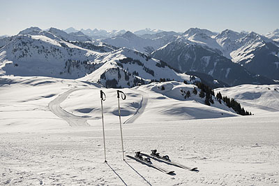 Kitsbuehel ski slopes by train