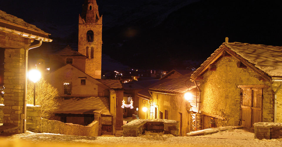 Photo: Haute Maurienne Vanoise - Val Cenis village at night